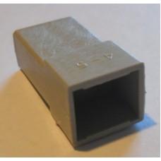 Изолятор пластиковый 2 штекера 6,3мм